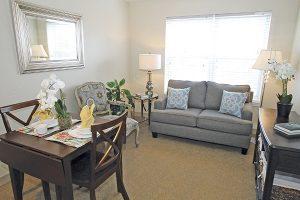 Charter Senior Living Poplar Creek Image Gallery - Apartment Living Room